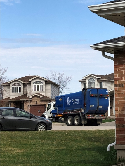 bellas garbage truck